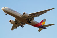 HL7732 @ EGLL - Boeing 777-28EER [29174] (Asiana Airlines) Home~G 25/06/2013. On approach 27R.