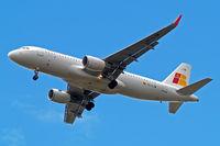 EC-LYM @ EGLL - Airbus A320-216(SL) [5815] (Iberia Express) Home~G 29/05/2015. On approach 27R.