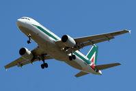EI-DSG @ EGLL - Airbus A320-216 [3115] (Alitalia) Home~G 25/05/2011