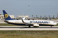 EI-DYZ @ LMML - B737-800 EI-DYZ Ryanair - by Raymond Zammit