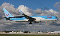 OO-JNL @ MIA - TUI Airlines