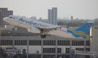 P4-AAD @ MIA - Aruba Airlines