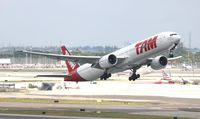 PT-MUH @ MIA - TAM 777-300