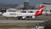 VH-OEE @ LAX - Qantas