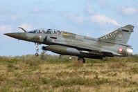 680 @ LFKS - Landing - by micka2b