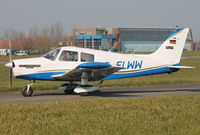 D-ELWW @ EBKT - Taxiing to rwy 06. - by Raymond De Clercq