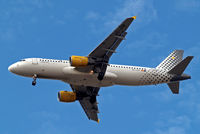 EC-JTR @ EGLL - Airbus A320-214 [2798] (Vueling Airlines) Home~G 04/07/2010. On approach 27R.