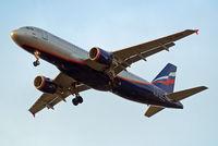 VQ-BEH @ EGLL - Airbus A320-214 [4133] (Aeroflot Russian Airlines) Home~G 12/07/2010. On approach 27R.