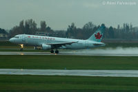 C-FZUB @ CYVR - Easterly take-off on south runway. - by Remi Farvacque