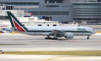 EI-DBK @ MIA - Alitalia