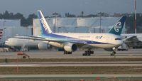 JA717A @ LAX - All Nippon