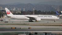 JA741J @ LAX - Japan Airlines