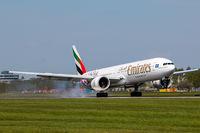 A6-EPL @ EDDH - Emirates (UAE/EK) HSV Special c/s - by CityAirportFan