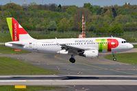 CS-TTO @ EDDL - Air Portugal A319 landing in DUS. - by FerryPNL