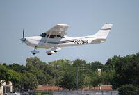 N67MR @ ORL - Cessna 182S