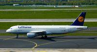 D-AIZJ @ EDDL - Lufthansa, is here on taxiway M at Düsseldorf Int'l(EDDL) - by A. Gendorf