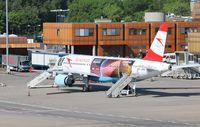 OE-LBS @ EDDT - Airbus A320