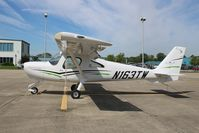 N163TW @ KUMP - Cessna 162