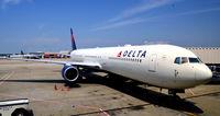 N826MH @ KATL - At the gate Atlanta - by Ronald Barker