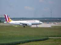 D-AKNL @ EDDS - GermanWings Airbus A319 - by Christian Maurer