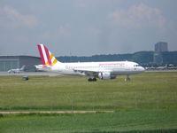 D-AKNJ @ EDDS - GermanWings Airbus A319 - by Christian Maurer