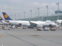 D-AIKN @ EDDM - Lufthansa A333 - by Christian Maurer