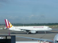 D-AIQS @ EDDH - GermanWings A320 - by Christian Maurer