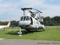 152578 - Boeing Vertol CH-46 Sea Knight  - US Navy HX-21 Blackjack - by Tavoohio