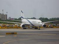 4X-ECD @ EWR - El Al 777-258ER - by Christian Maurer
