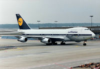 D-ABZE @ EDDF - Lufthansa - by kenvidkid