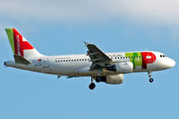 CS-TTI @ EGLL - Airbus A319-111 [0933] (TAP Portugal) Home~G 07/06/2015. On approach 27L. - by Ray Barber