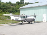 N1167V @ 8G6 - Cessna R172K - by Christian Maurer
