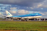 PH-BUK @ EHAM - Boeing 747-206B SUD [21549] (KLM Royal Dutch Airlines)  Amsterdam-Schiphol~PH 11/09/2003 - by Ray Barber