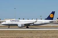 D-AIUF @ LMML - A320 D-AIUF Lufthansa - by Raymond Zammit