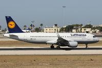 D-AIUA @ LMML - A320 D-AIUA Lufthansa - by Raymond Zammit