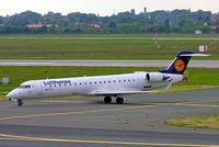 D-ACPB @ EDDL - Canadair CRJ-700 [10013] (Lufthansa Regional/Cityline) Dusseldorf~D 18/05/2005 - by Ray Barber