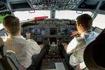 LX-LBB @ LEAM - cockpit view of Luxairs 737-86J LX-LBB