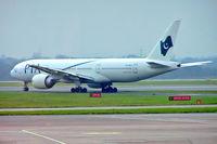 AP-BGJ @ EGCC - Boeing 777-240ER [33775] (Pakistan International Airlines) Manchester-Ringway~G 14/12/2004 - by Ray Barber