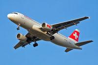 HB-IJR @ EGLL - Airbus A320-214 [0703] (Swiss International Air Lines) Home~G 27/09/2009. On approach 27R.