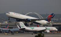 N199DN @ LAX - Delta