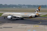 A6-BLI @ EDDL - Etihad B789 taxying for departure from DUS - by FerryPNL