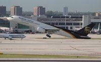 N453UP @ MIA - UPS 757-200