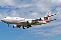 VT-AIC @ EGLL - Boeing 747-4B5 [24198] (Air India) Heathrow~G 01/09/2006. On finals 27L.