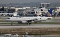 N467UA @ LAX - United