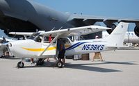 N538KS @ BKL - Cessna 172S
