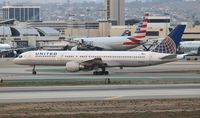 N545UA @ LAX - United