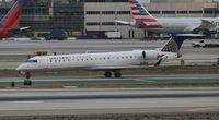 N703SK @ LAX - Skywest United Express