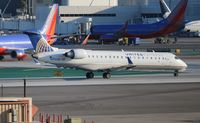 N755SK @ LAX - United Express