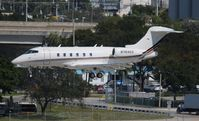 N769QS @ FLL - Challenger 350