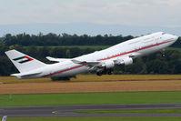 A6-MMM @ VIE - United Arab Emirates Dubai Airwing - by Chris Jilli